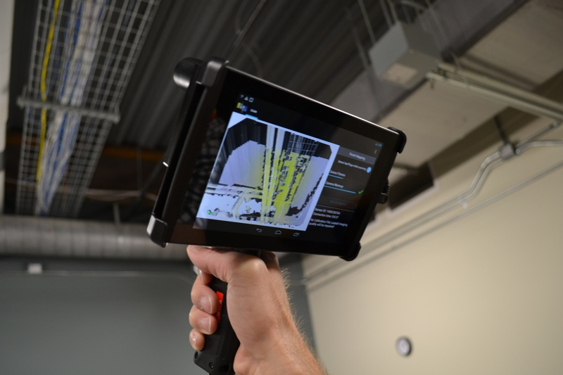 Automatic Feature Extraction on Your Handheld 3D Scanner